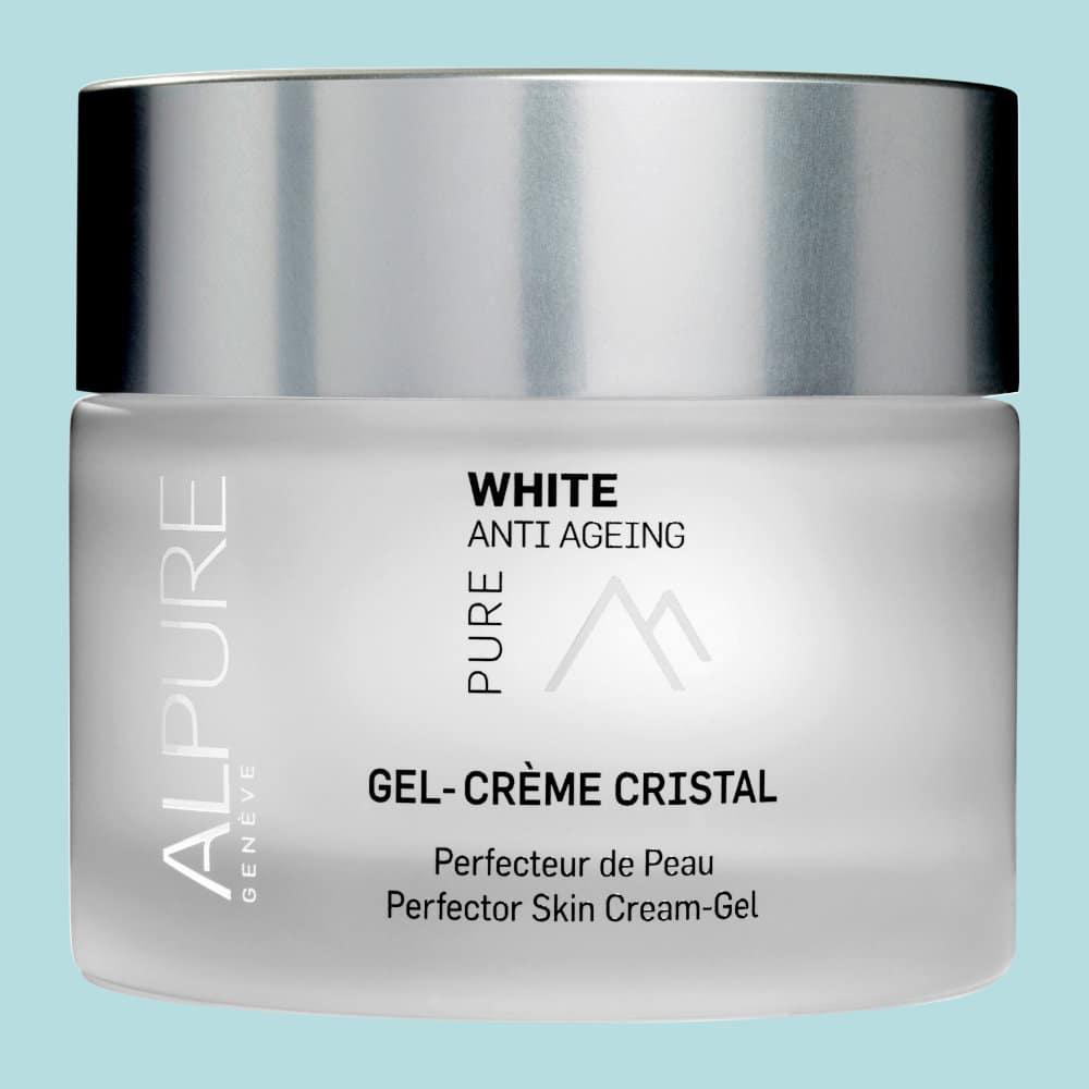 Le Gel Crème Cristal Alpure surprend par sa texture innovante. Il apporte luminosité au teint et lisse le grain de peau.